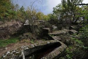 Corviano zona archeologica Tombe antropomorfe