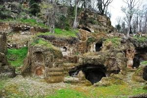 castellardo-e-le-case-grotta-dellabitato