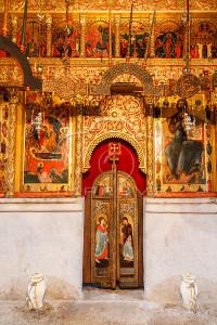 Montégnégro, montagne du nord-est, vallée de la Piva, l'église du monastère de Piva (Pivski Manastir), fut construite entre 1573 et 1586, ce monastère a été démonté pierre par pierre avant d'être réinstallé quelques kilomètres plus en hauteur de son emplacement initial à la suite de la construction d'une centrale hydro-électrique // Montégnégro, mountain northeast, Piva valley, the church of the Monastery of Piva (Pivski Manastir), was built between 1573 and 1586, this monastery was dismantled stone by stone before being reinstalled some kilometers more in height of its initial place following the construction of a hydroelectric power plant