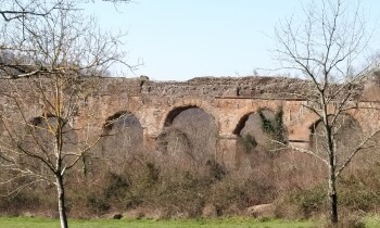 """Domenica 25 aprile 2021 Archeotrekking :""""LE CASCATE DI S. VITTORINO E I GIGANTI DELLE ACQUE"""""""